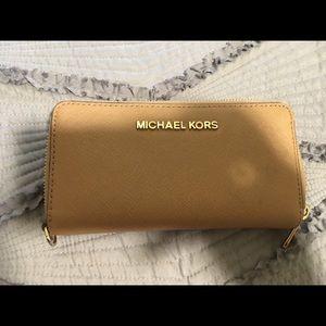 Micheal Kors Tan Wallet